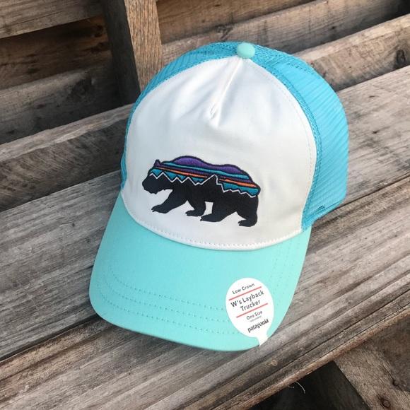 85f5881c6f3 Patagonia Women s Fitz Roy Bear Trucker Hat. M 5bb16579fe5151b38674f376